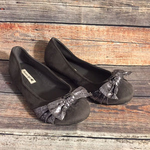 American eagle faux suede glitter bow flats